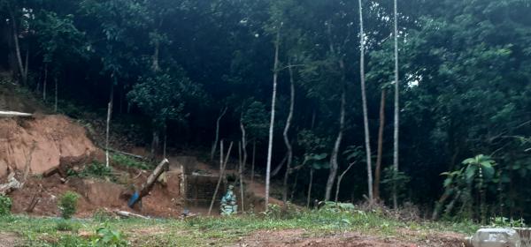 গোলাপগঞ্জে প্রবাসীর জায়গা দখলের অভিযোগ, বাধা দেয়ায় হত্যার চেষ্টা